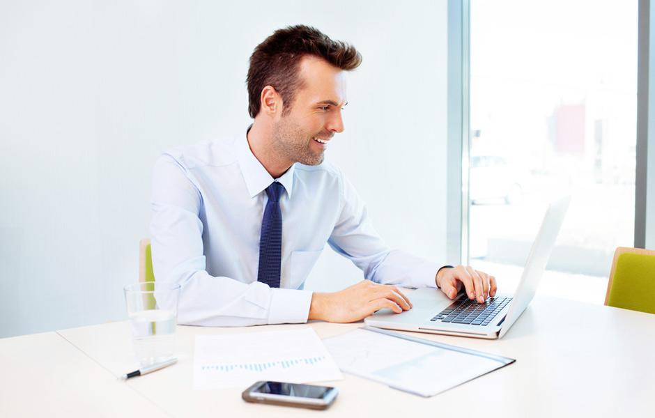 man_laptop